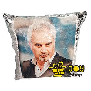 Валерий Меладзе на подушке